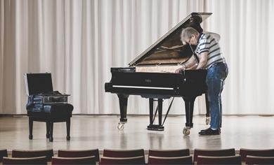 Ärofyllda uppdrag inom piano – och flygelstämning